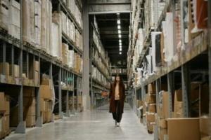 Notre bibliothèque de meubles peut être utilisée pour stocker vos meubles les plus lourds et les plus volumineux