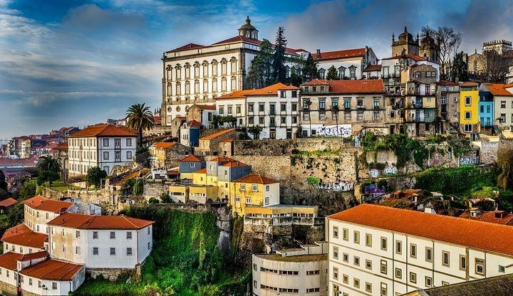 Partir vivre et travailler au Portugal