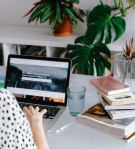 Nous sommes une entreprise qui vous propose un service en ligne d'analyse de votre devis déménagement