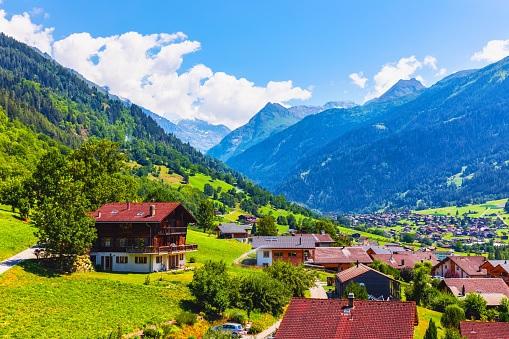 Comment se faire domicilier en Suisse ?